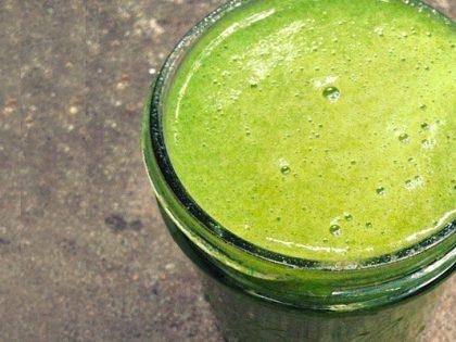Grüner Moringa-Kale Smoothie