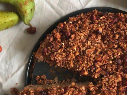 Birnenkuchen mit Nuss-Teff-Kruste